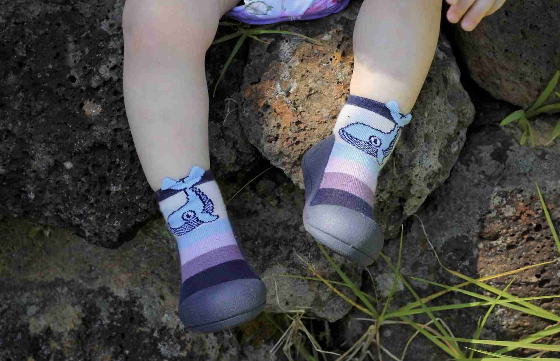 Attipas baby shoes in Whale