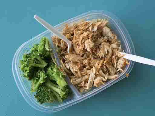 meal prep container reusable chicken and broccoli