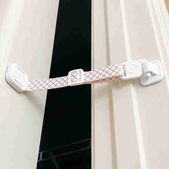 door strap for cats for dog proofing