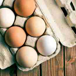 Eggs contain 13g of protein per 100g