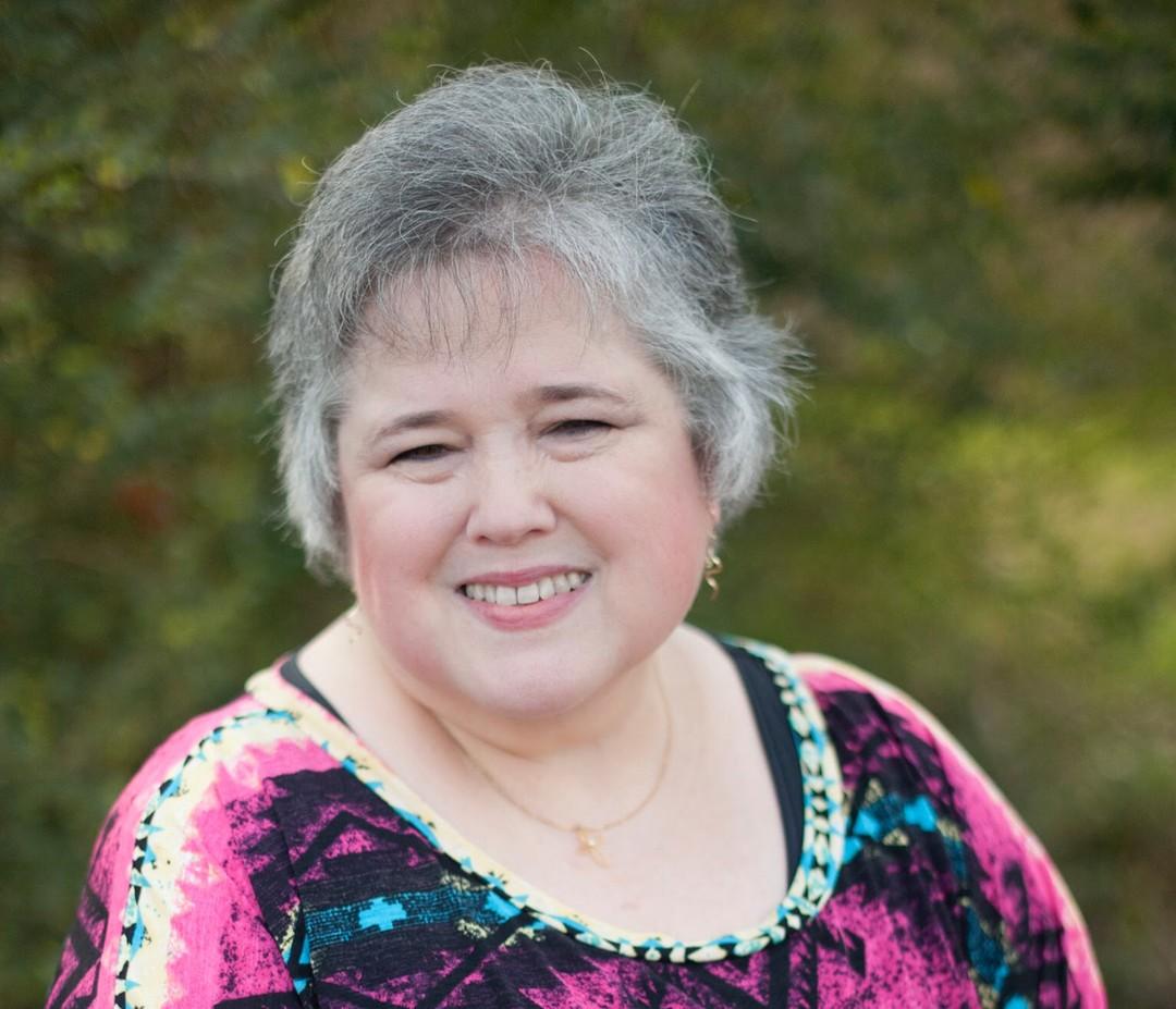 Elizabeth Clamon | LeadershipBooks.store