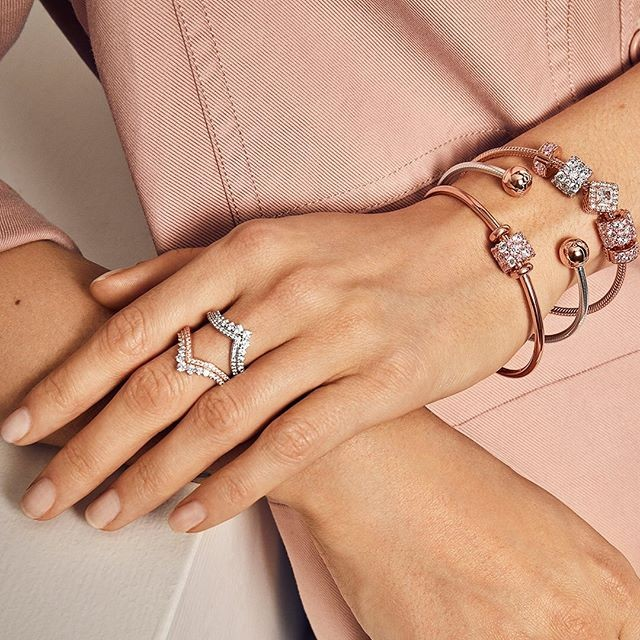 Should You Buy Pandora Jewelry What The Reviews Say Blush And Bar