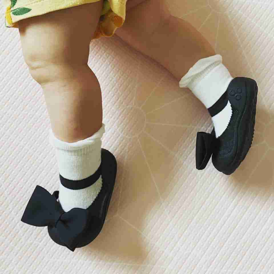 Attipas baby shoes in Mary Jane Black