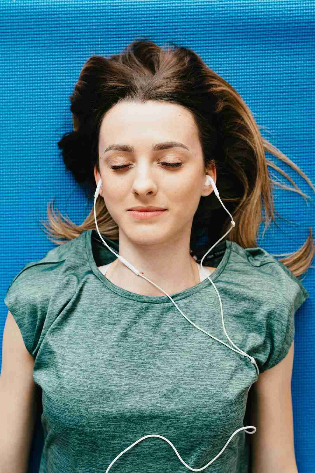 the best ways to relax without alcohol music