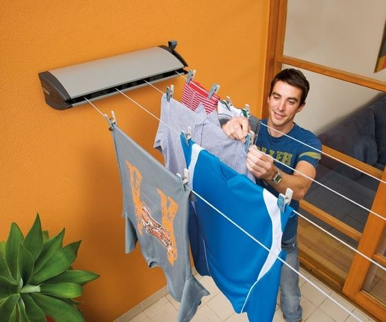 retractable clothesline suitable for urban spaces