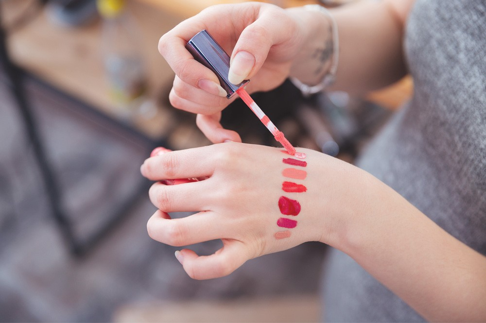 Choosing The Best Lip Gloss Color