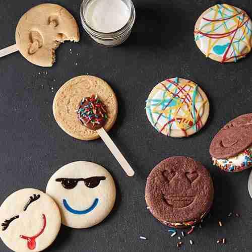 Decorated emoji cookies