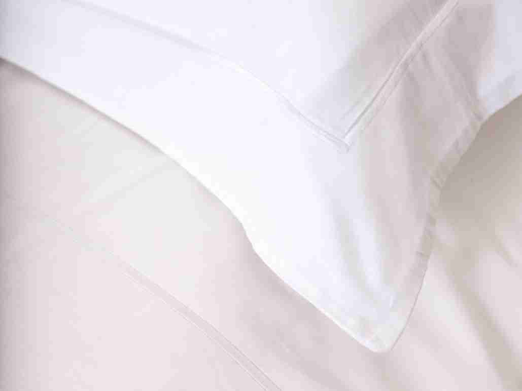 Pillowcase Sets in Sateen Weave Organic Cotton 300 Thread Count