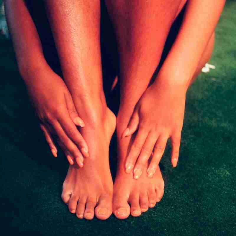 Beautifully soothed feet with Himaruti Oil