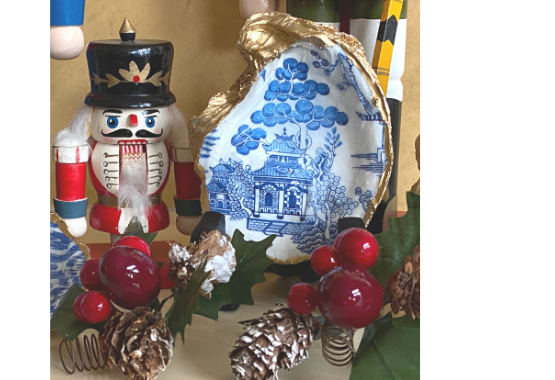 Blue and White Oyster Shell Jewelry Dish Chinoiserie with Nutcracker for Christmas gift