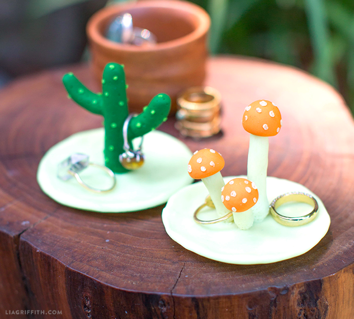 Cactus ring holder