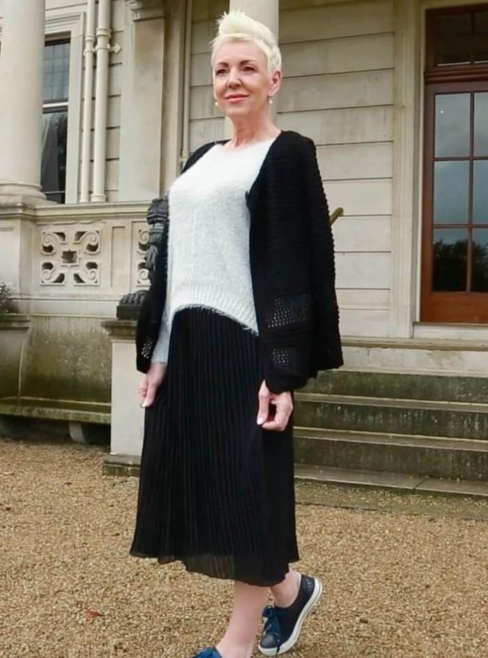 Front Open Knit Cardi in Black