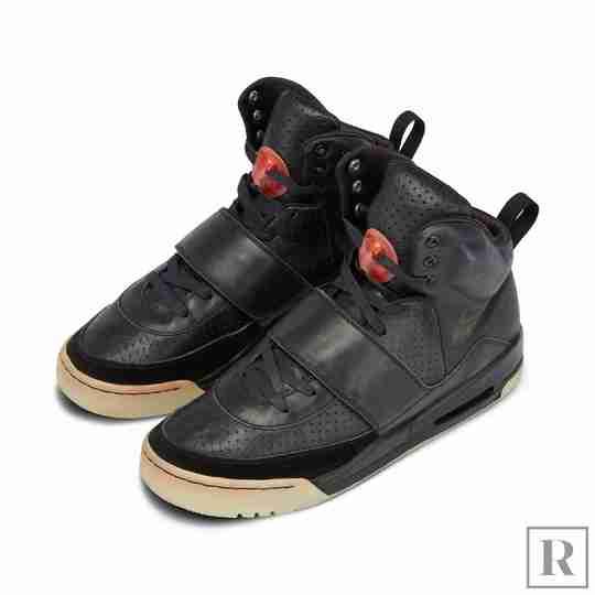 Kanye West 2008 Grammy Nike Air Yeezy 1 Sample