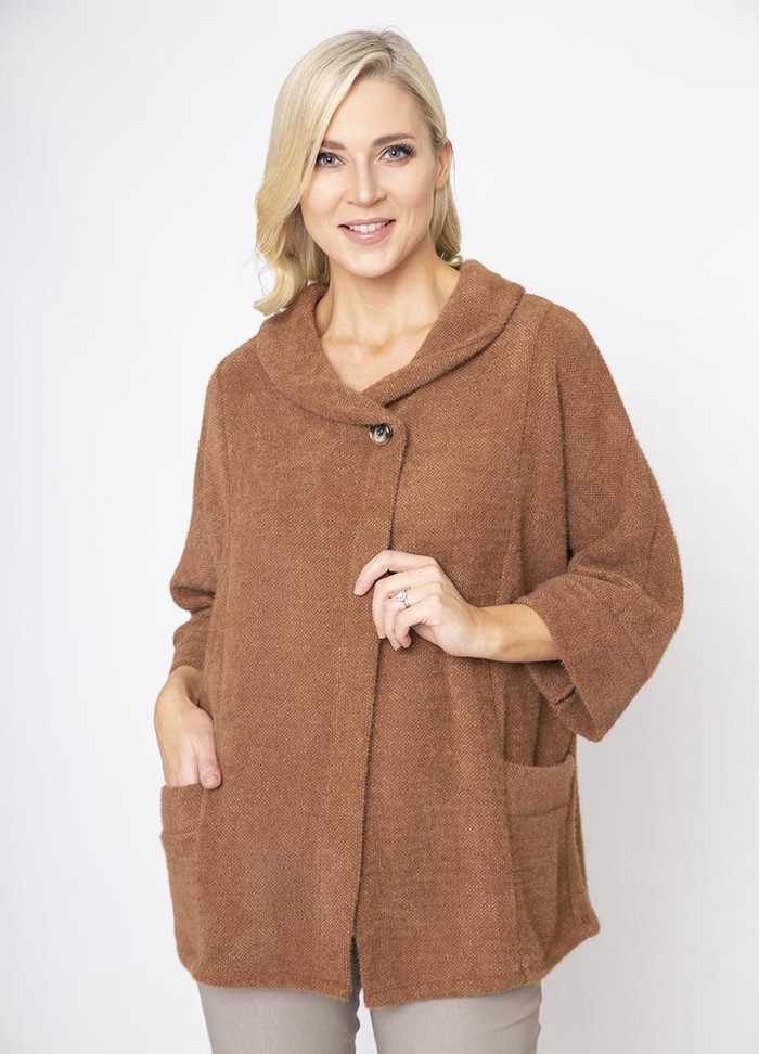 Round Neck 3/4 Sleeve Coat/Cardi in Brown