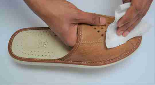 How to Clean your Faith Men slippers- Reindeer leather