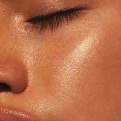 How to Use Face OIl in Your skincare routine