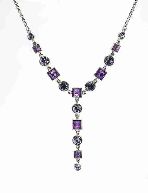 An amethyst lariat necklace.