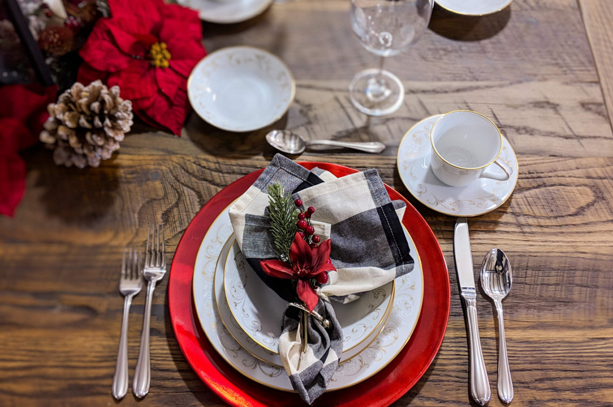 how to set a table for entertaining