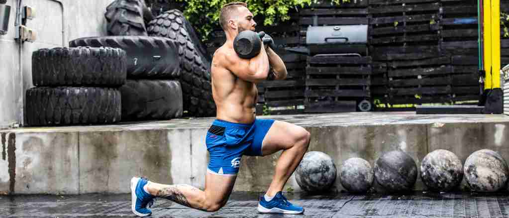 A CrossFit athlete using periodization training to build muscle.
