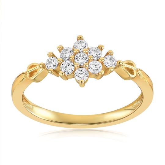 The Sarah Snowflake Dainty Ring