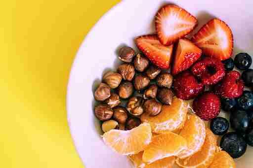 healthy snacks nuts fruits strawberries raspberries