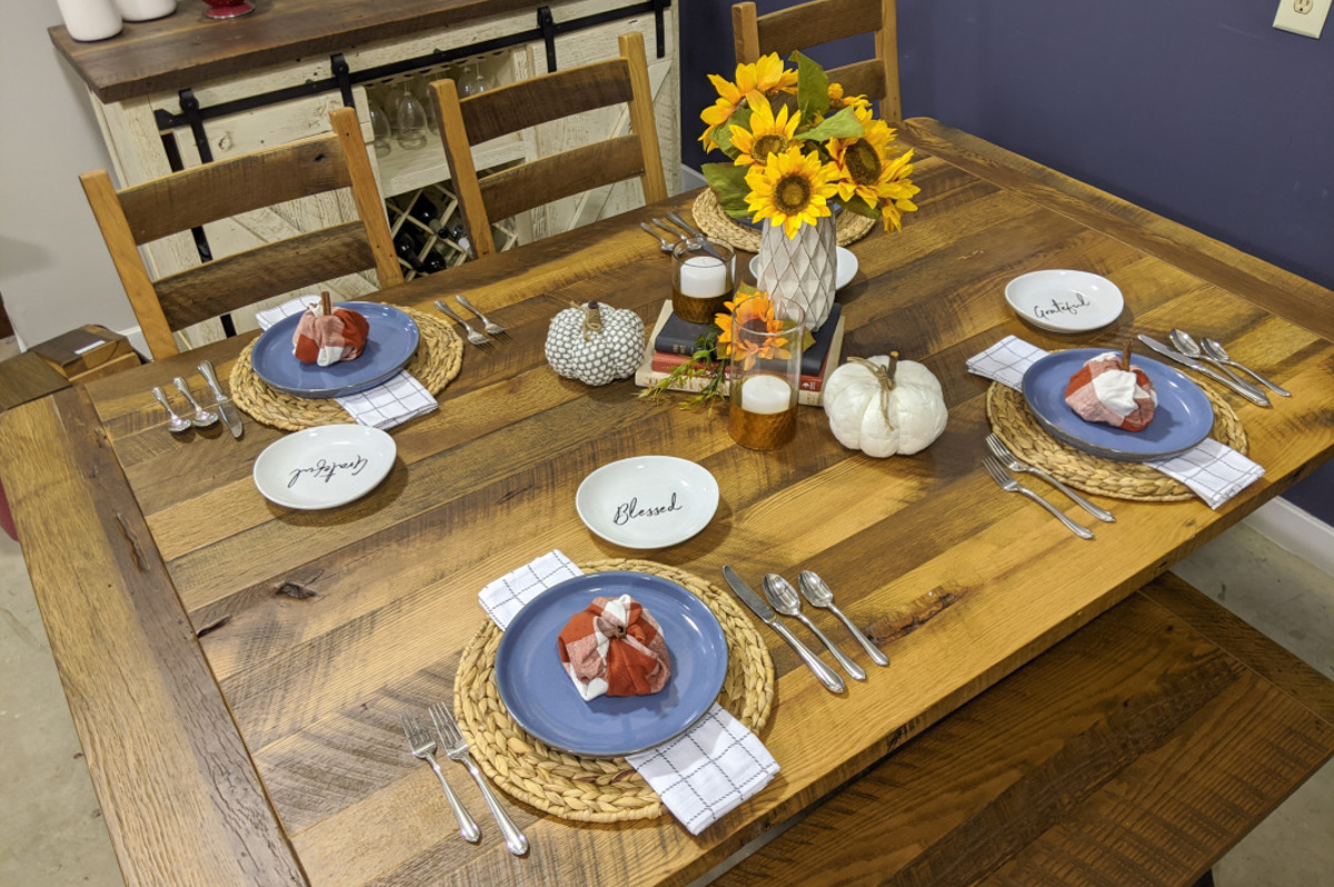 rustic table setting ideas with cloth