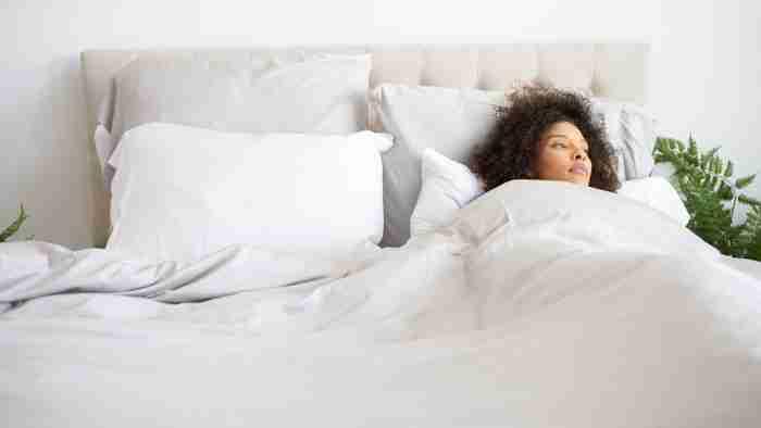 Bamblu Model in Bed