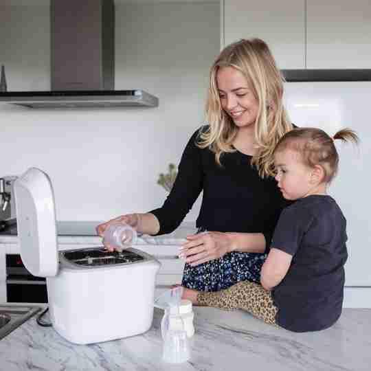 UV Steriliser for baby bottles, items, clothing and more | Milkbar New Zealand