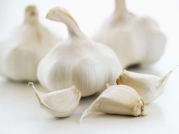 Garlic Garlic Cloves White Background