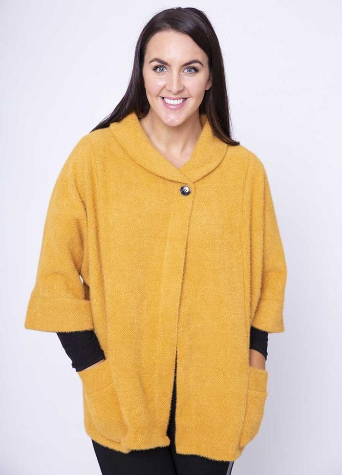Round Neck 3/4 Sleeve Coat/Cardi in Gold