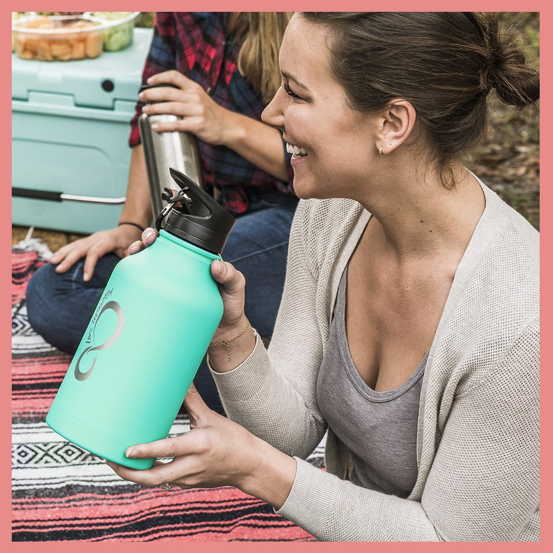 64 oz Vacuum Insulated Water Bottle