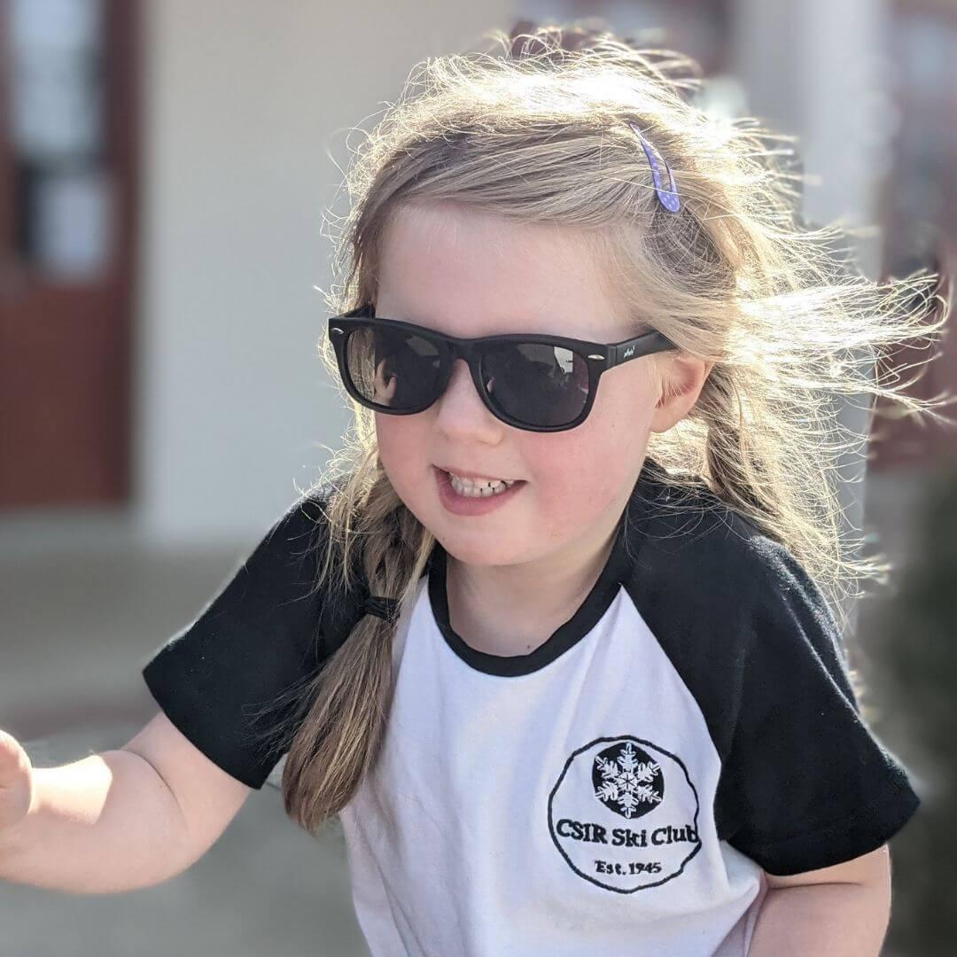 girl with black polarized sunglasses