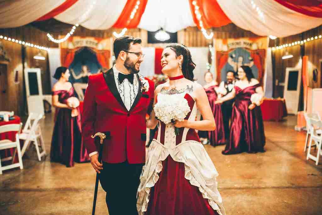 Julia Louisa DeJoseph & Kurtis had their dream wedding themed around The Greatest Showman