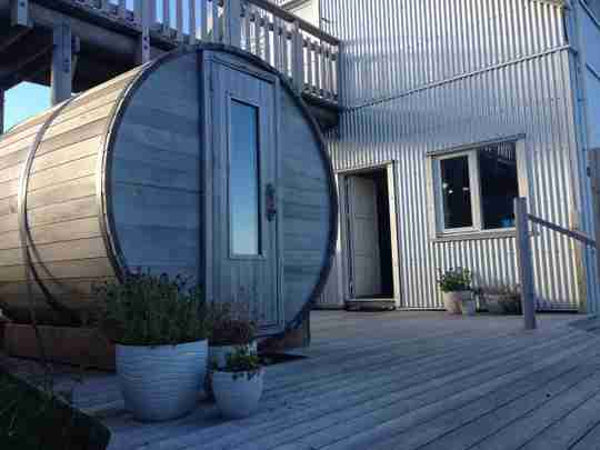 northern lights barrel saunas made in canada