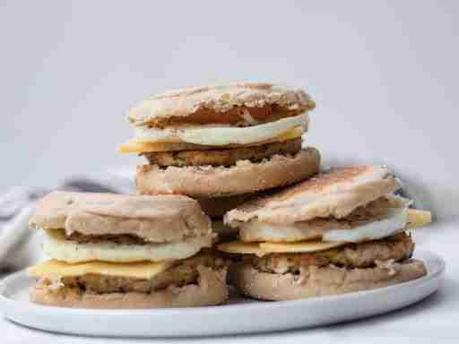 healthy breakfast sandwich chicken sausage macro friendly
