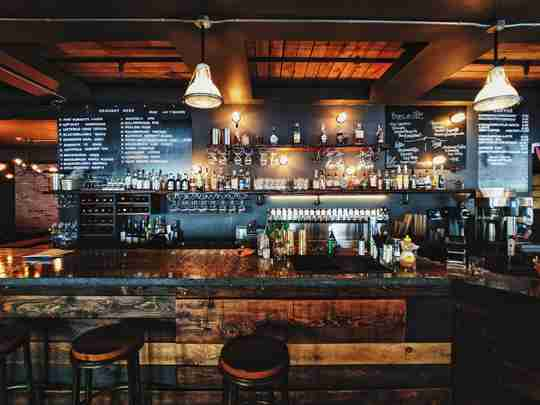 UV-C Lights in Pubs and Bars