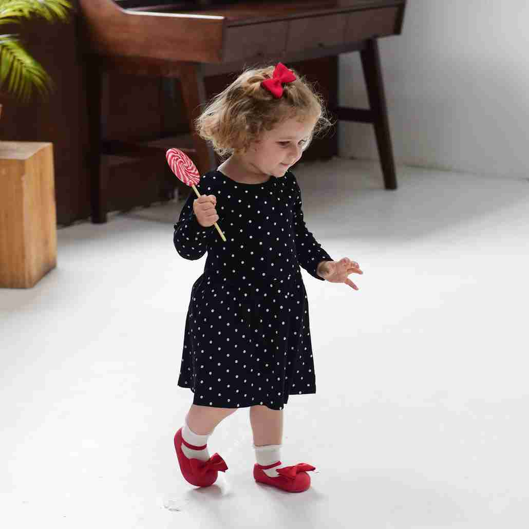 Attipas baby shoes in Mary Jane Red