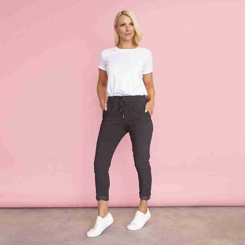 Sia Relaxed Stretch Jogger (Black)
