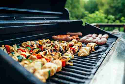 summer BBQ grill out shish kebab healthy lean meat veggies