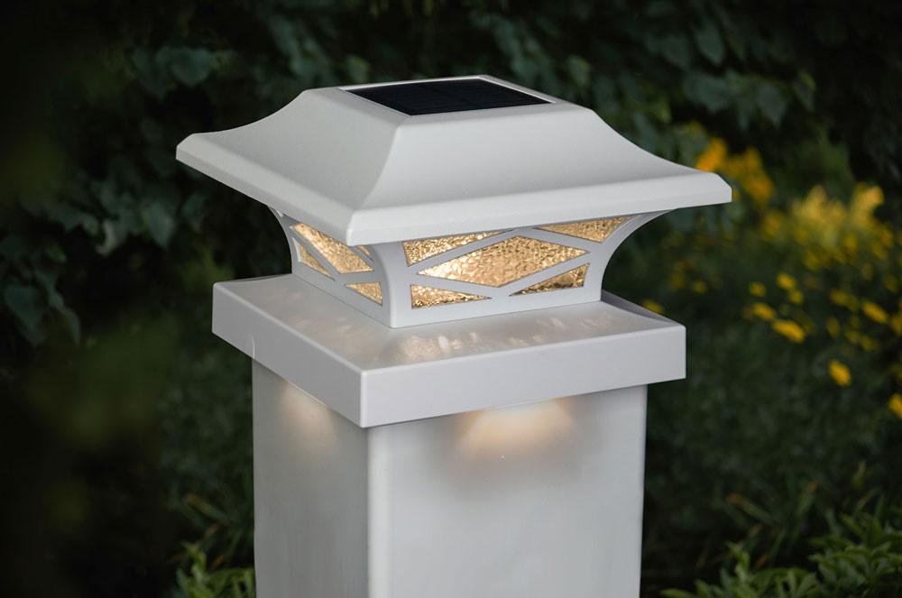 Kingsbridge White solar light
