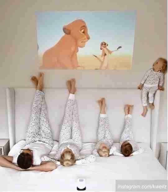 foto keluarga, foto keluarga di rumah