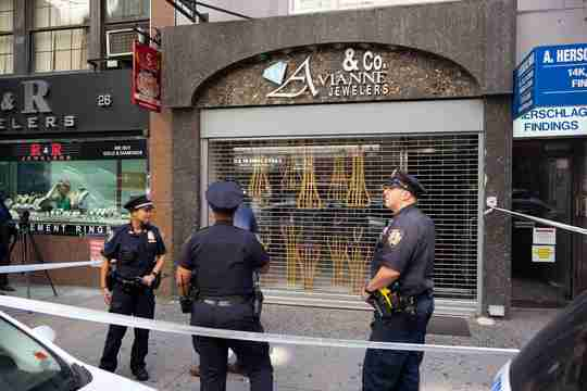 Police at Avianne & Co. jewelers after the theft
