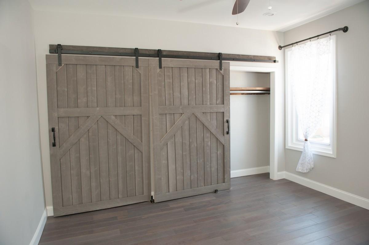 sliding closet barn door