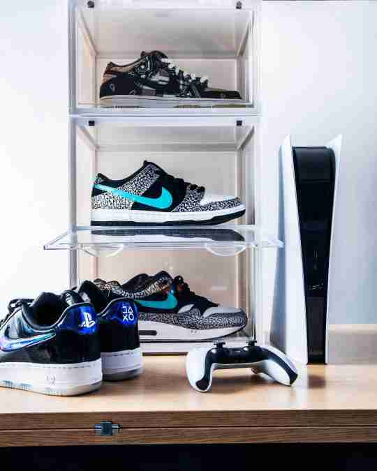 Drop Side Sneaker Display Case - Sneaker Throne Shoe Box