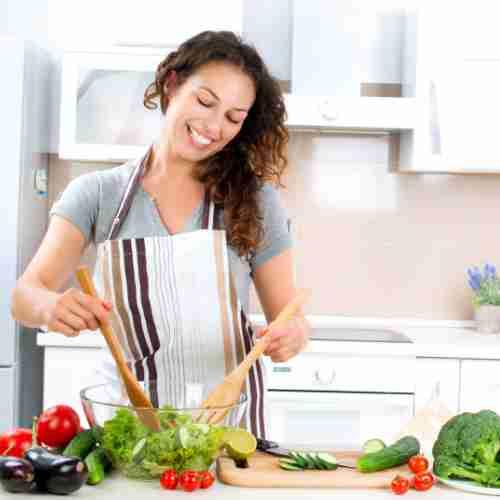 Why Oxy-Powder - woman making healthy salad
