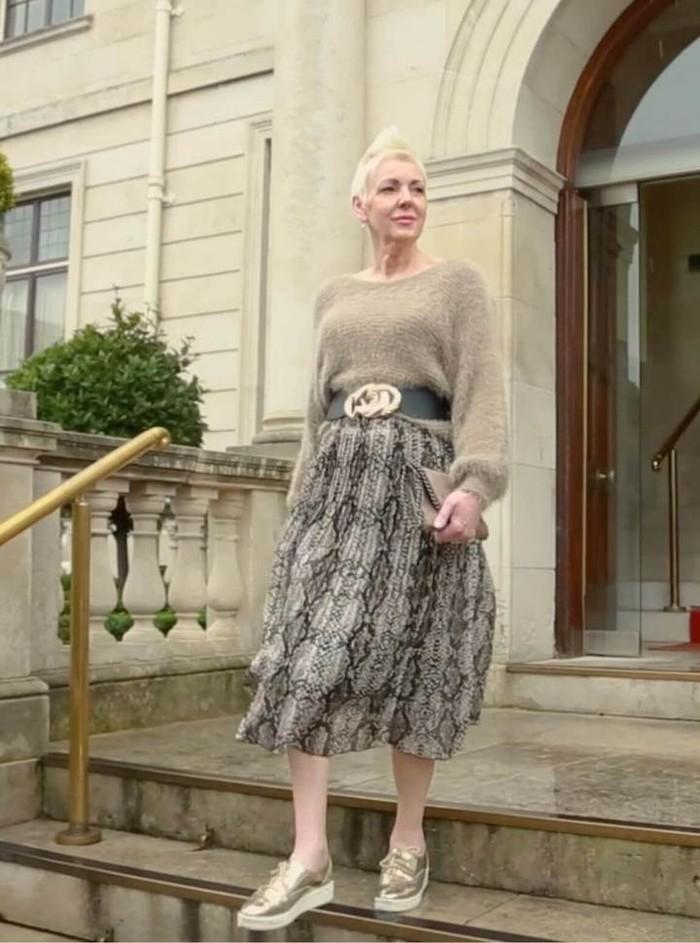 Snake Print Pleat Skirt in Beige