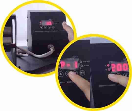 nyalakan mesin press mug, atur suhu mesin press mug