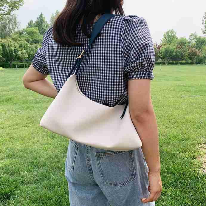 Lindy Shoulder Bag