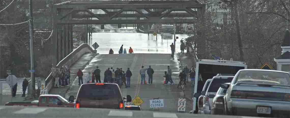 Flooding cuts off major roadways in Washington