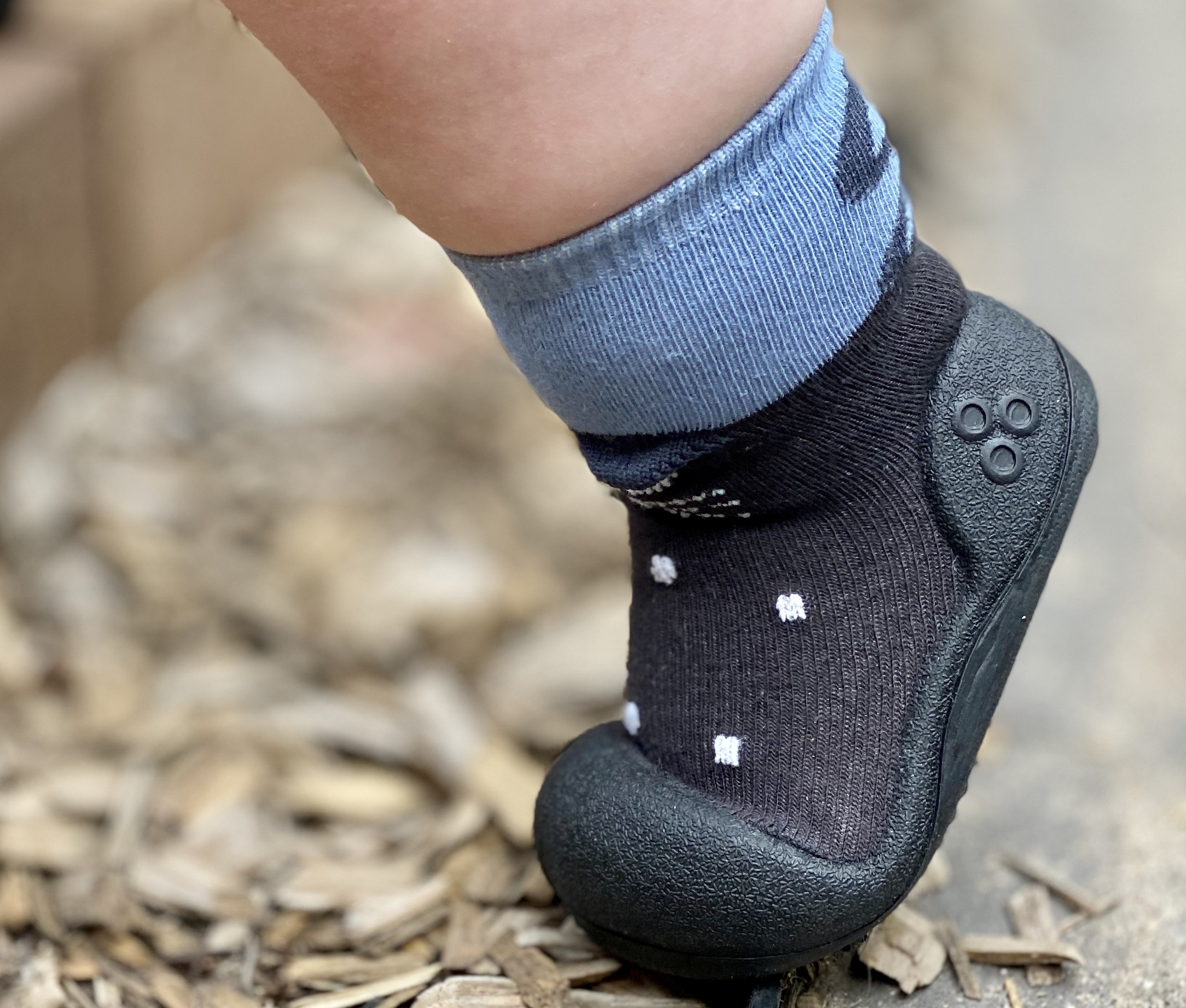 Attipas baby shoes in Pet Charcoal